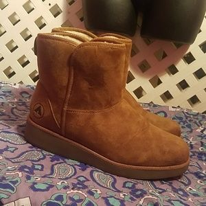 Ladies Airwalk boots size 11